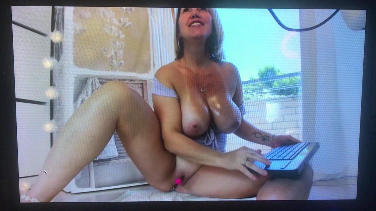 Natural Tits Milf Threesome